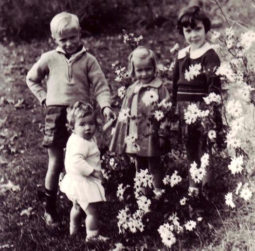 The Children of J. B. and Louisa Rhine, 1935